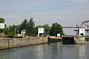 The lower door of the locks was not operating properly on this day.